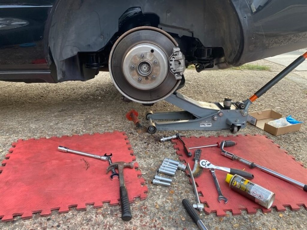how to replace a brake pads